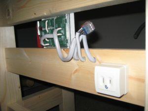 作業台に追加で加えた電設部分