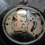 スクリュータイプの時計裏蓋