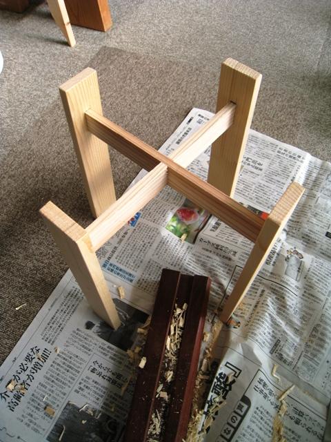 棒で作る植木鉢スタンドの完成