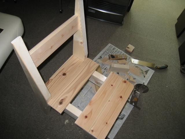 椅子の座面をスノコ仕様で作る